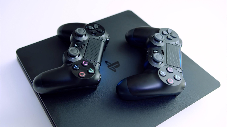Sony запатентовала геймпад с сенсорным дисплеем