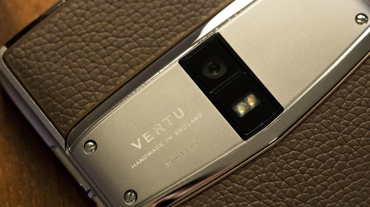 Люксовые телефоны Vertu вернутся 17 октября