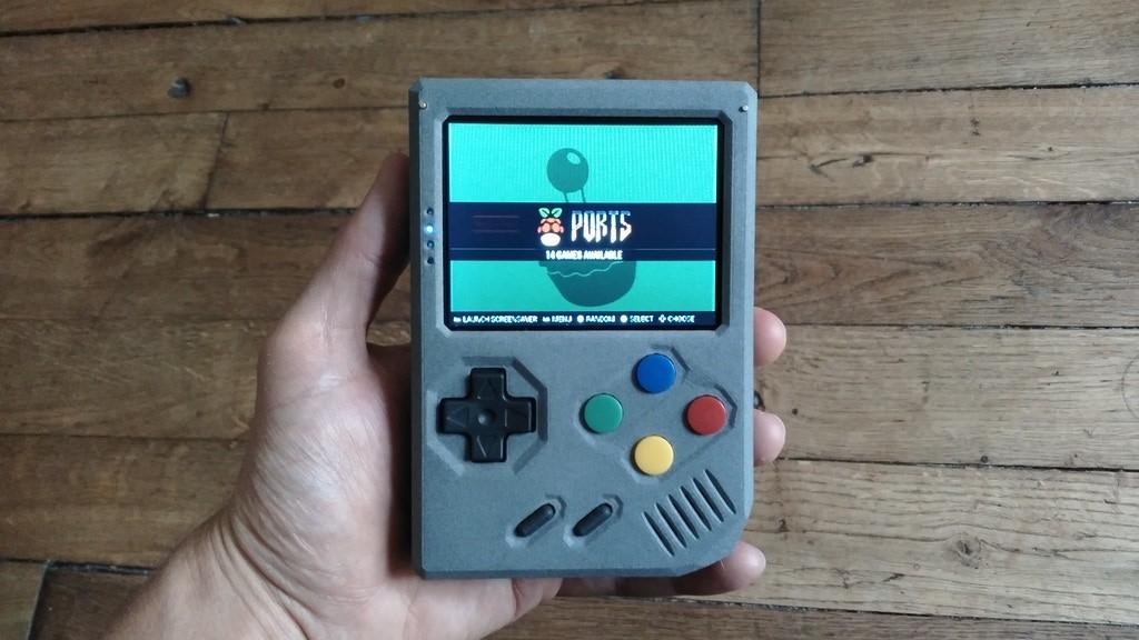 Retro Stone — портативная консоль с играми из детства