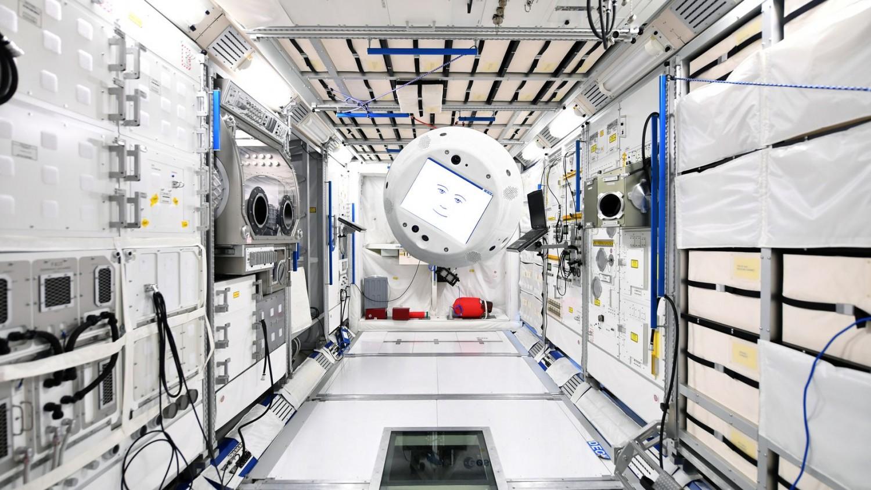 SpaceX отправила робота-помощника на МКС1