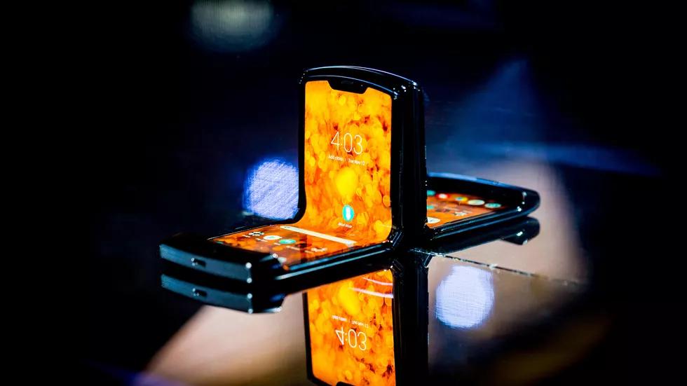 Motorola Razr: та самая «раскладушка», но с гибким экраном7