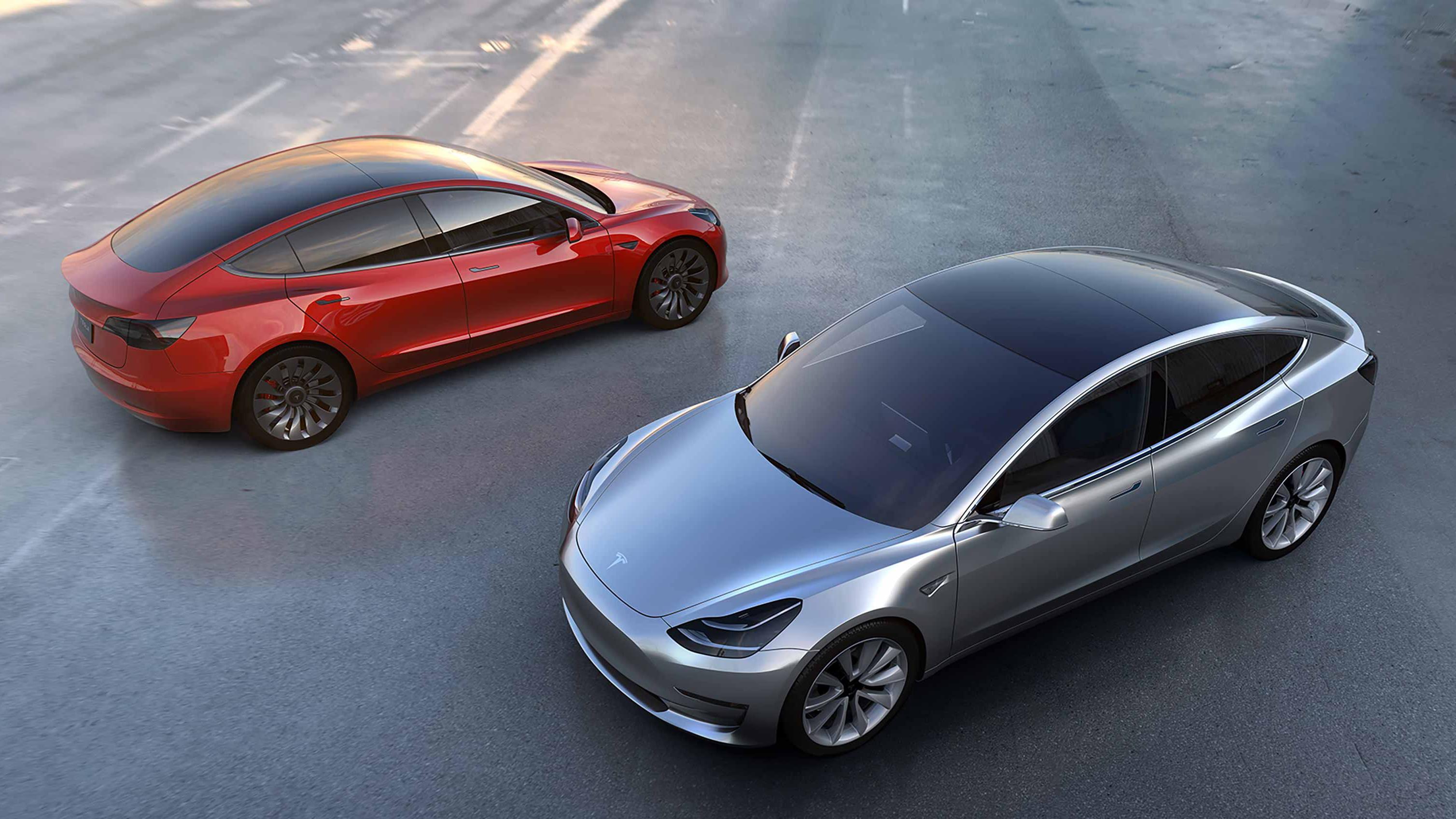 Tesla Model 3 научилась самостоятельно парковаться
