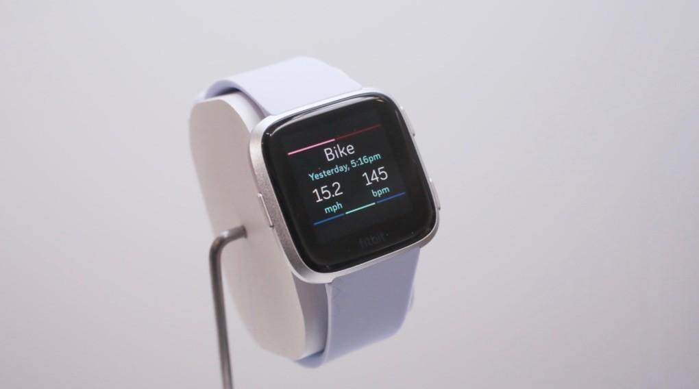 Fitbit представила умные часы и браслет для детей1