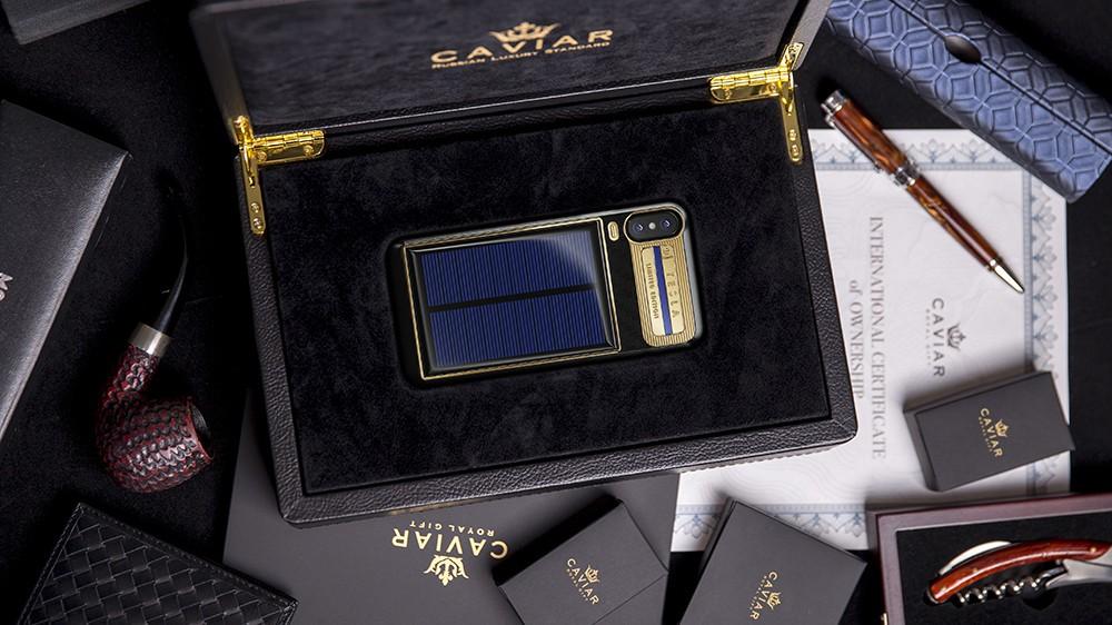 Caviar начала продажи iPhone X с солнечной батареей