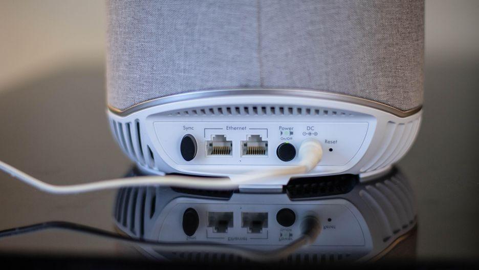 Смарт-колонка Orbi Voice может раздавать Wi-Fi4