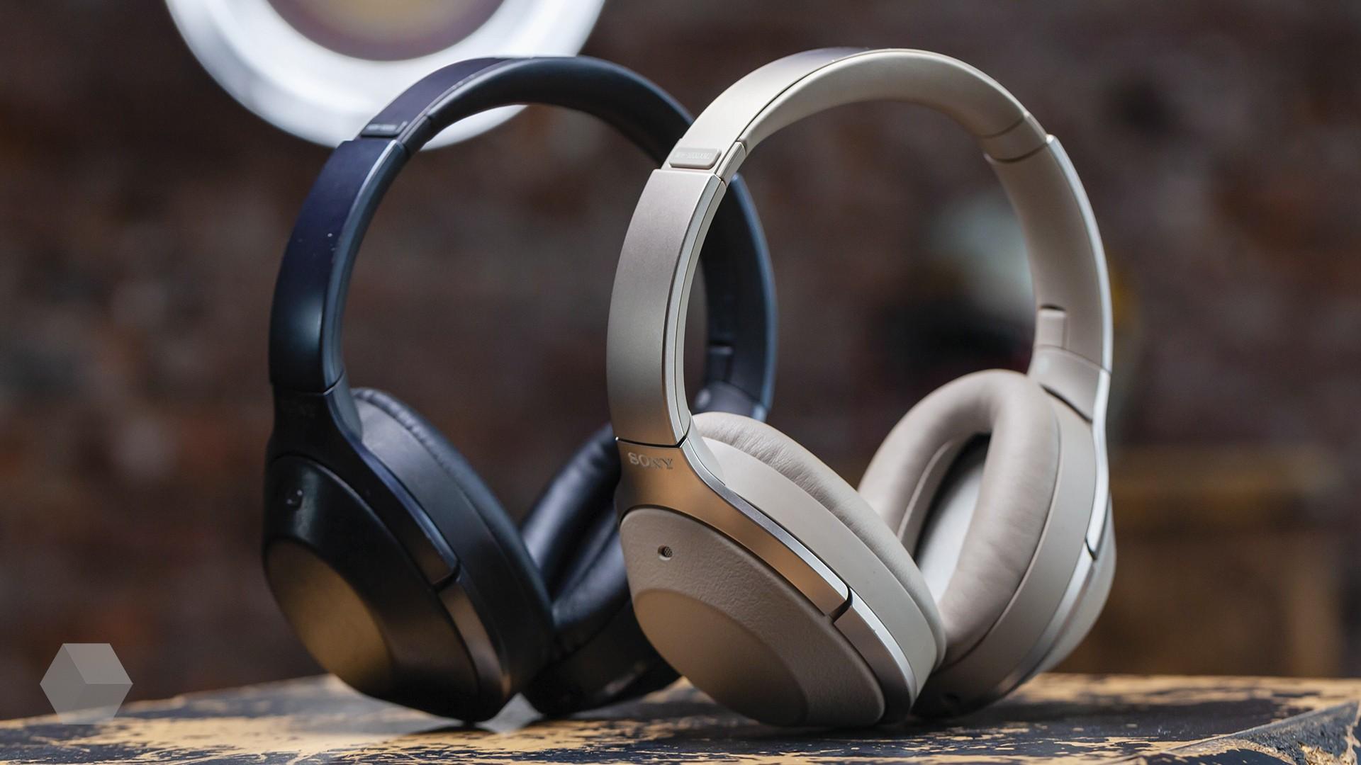 Наушники с шумоподавлением Sony MDR-1000X и WH-1000XM2 — какие лучше?