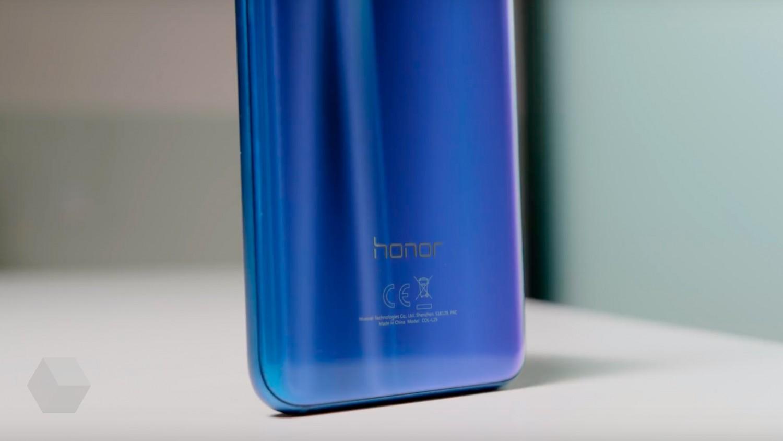 Honor 10 Premium снова предлагают со скидкой 7000 рублей