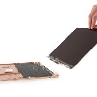 Демонтаж MacBook Air 2018: активное охлаждение и простая замена батареи5