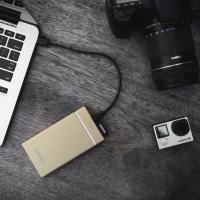 GOSPACE заряжает устройства и читает SD-карты без проводов3