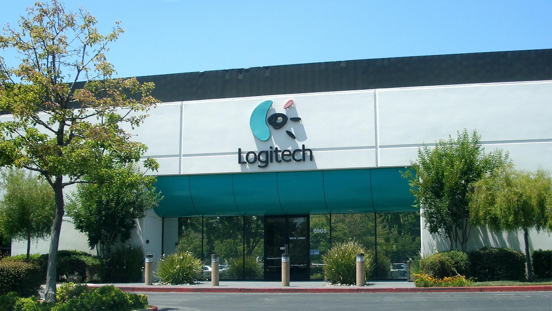 Logitech хочет приобрести Plantronics