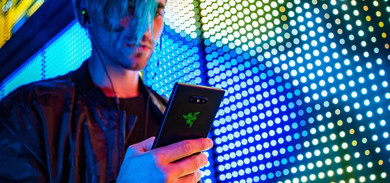 Razer представила Phone 2 с RGB-подсветкой и беспроводной зарядкой4