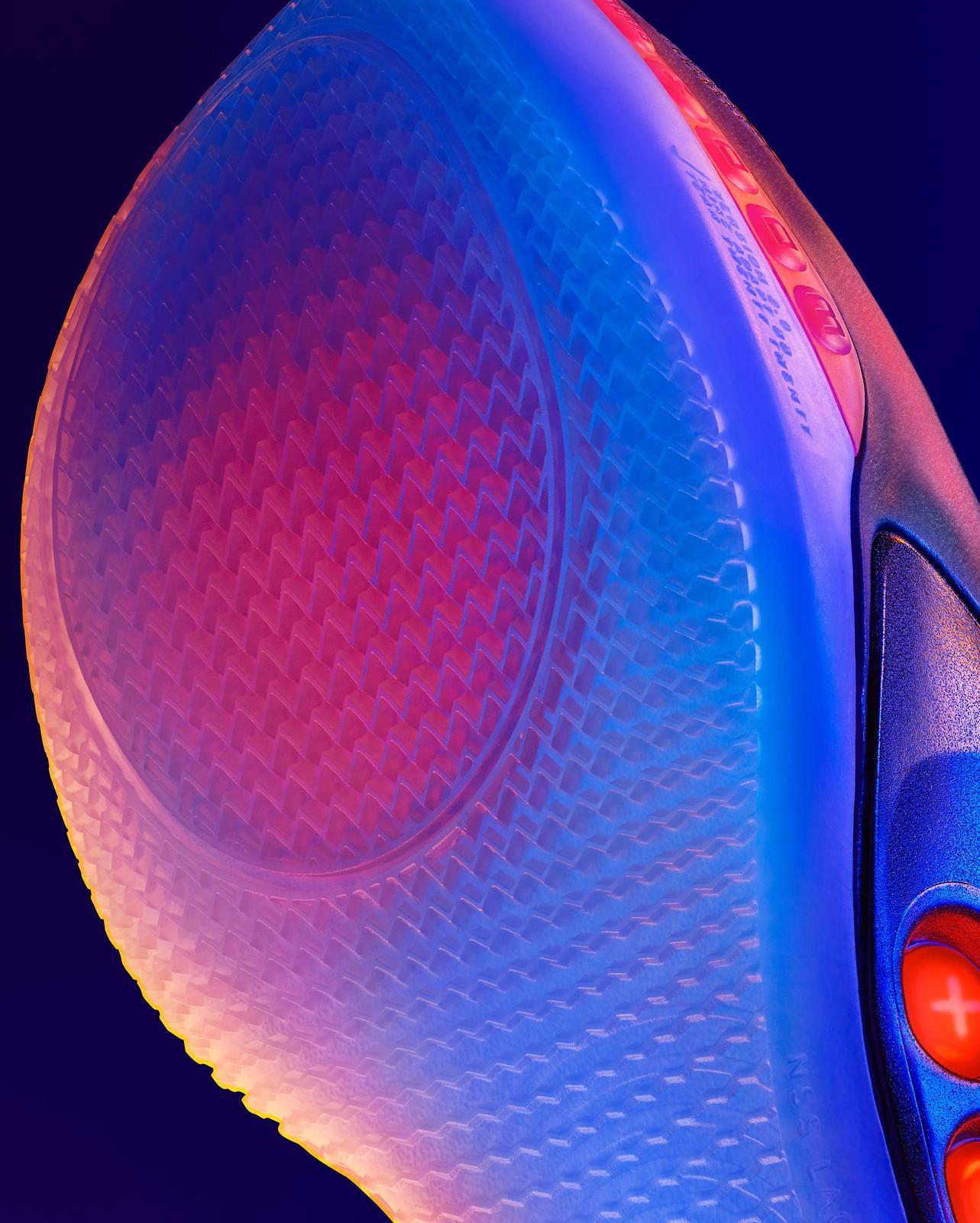Nike представила второе поколение умных кроссовок Adapt BB5
