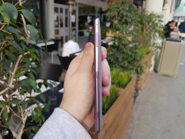 Sony представила Xperia XZ2 и XZ2 Compact8
