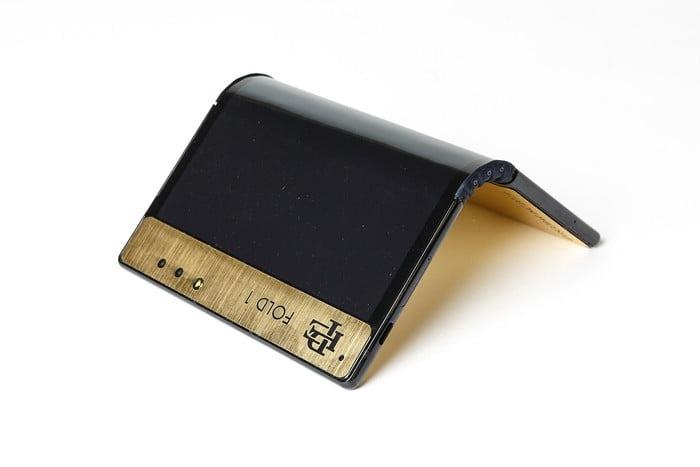 Брат Пабло Эскобара выпустил гибкий смартфон за 350 долларов4