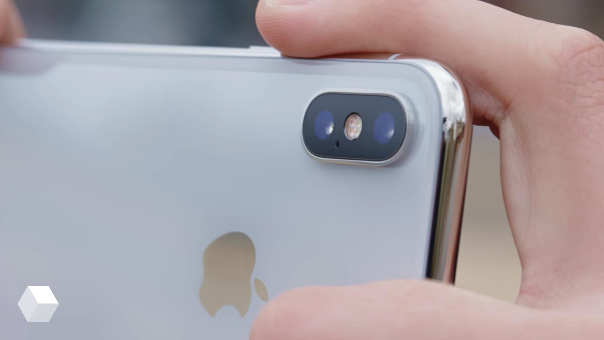 iPhone XC, XS и XS Plus — названия новых смартфонов Apple
