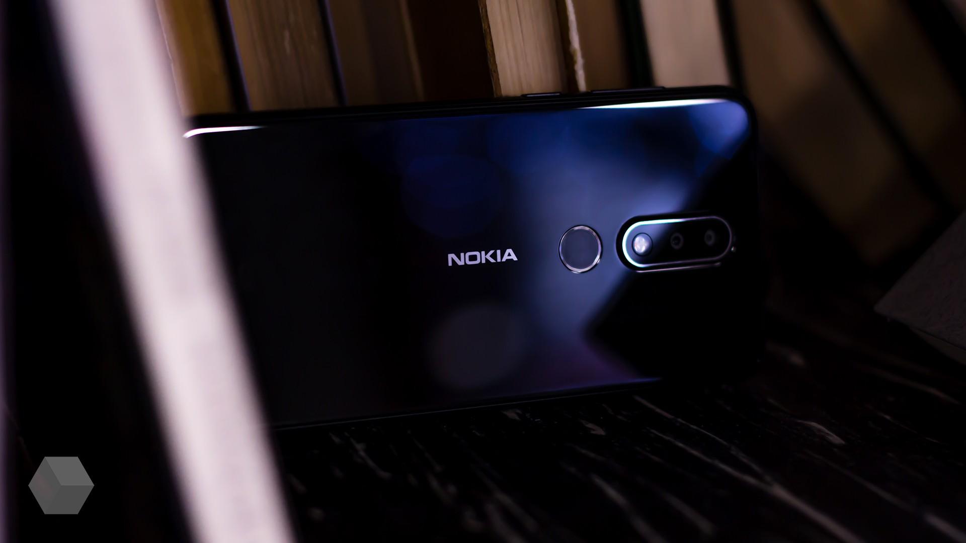 Появились изображения смартфона Nokia с тройной камерой
