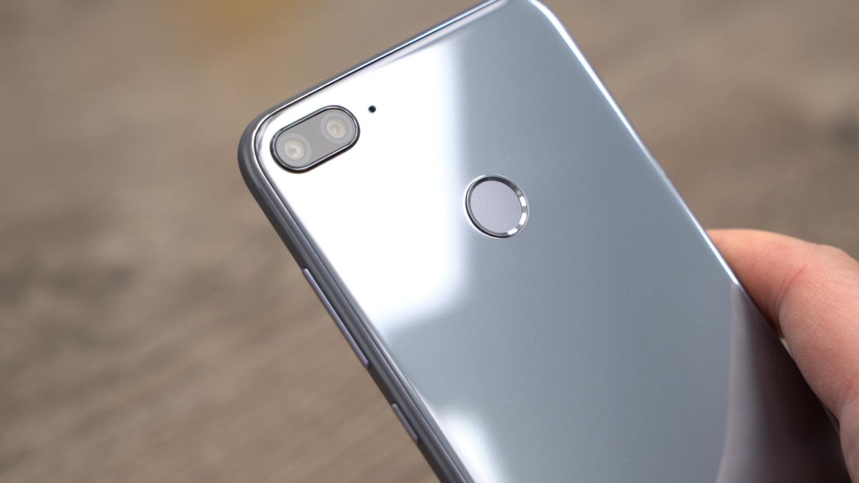 Лучшие смартфоны до 12 тысяч рублей начала 2019 года3