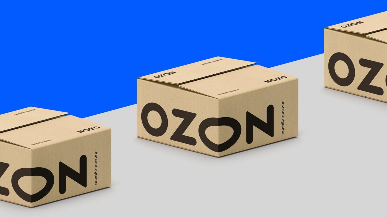 Ozon анонсировал доставку «до двери»: курьер оставит заказ в подъезде или у консьержа